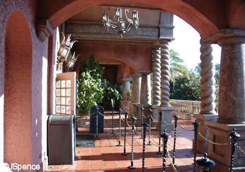 Tower of Terror HS walkway Riverside Inn