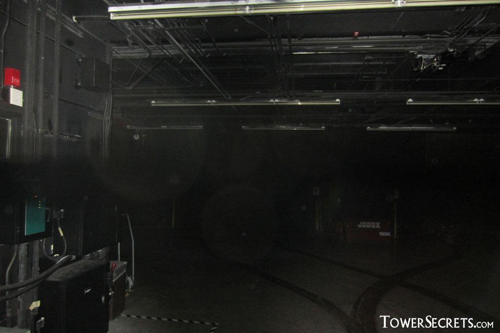 orlando_tower_of_terror_dark_passageway