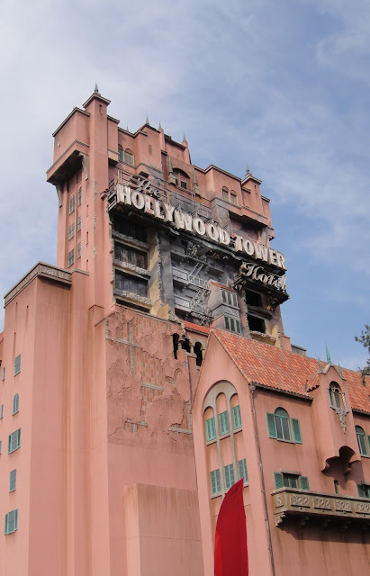 wdw_tower_of_terror_plain_side